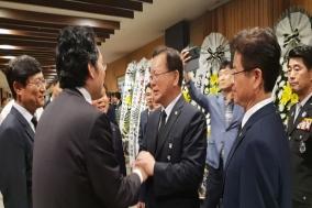 최대집 의협 회장, 故 김선현 경감 빈소 조문