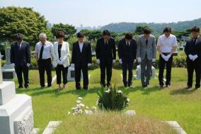 의협 집행부, 독립운동가 오복원 의사 묘소 찾아 참배